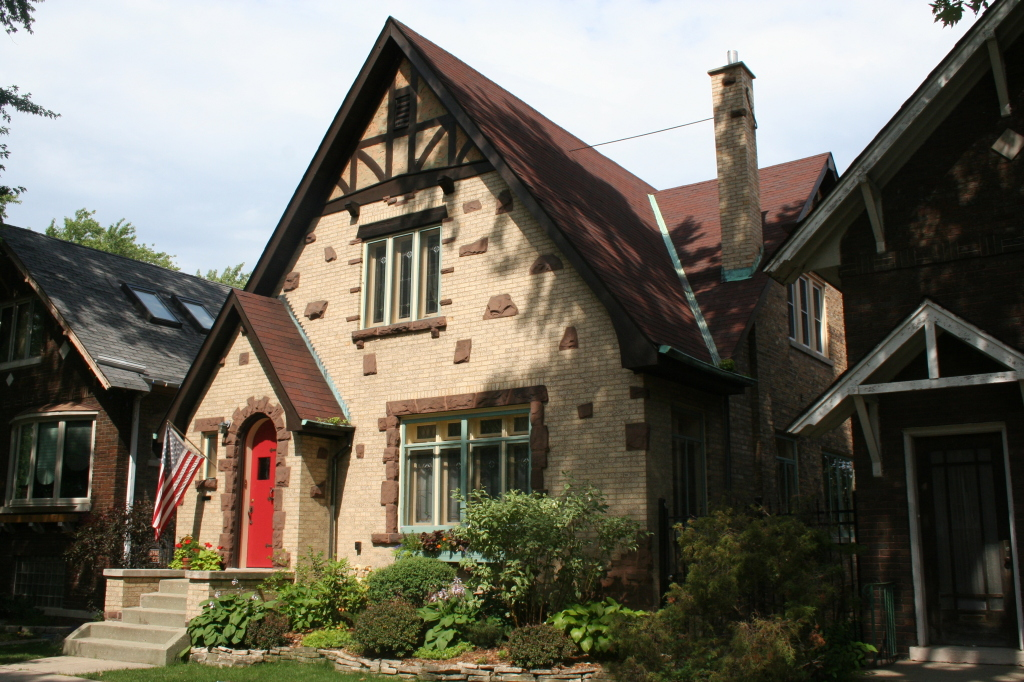 A lovely Chicago interpreted Tudor
