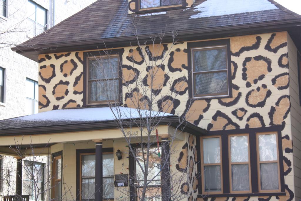 Giraffe House at 1623 W Estes