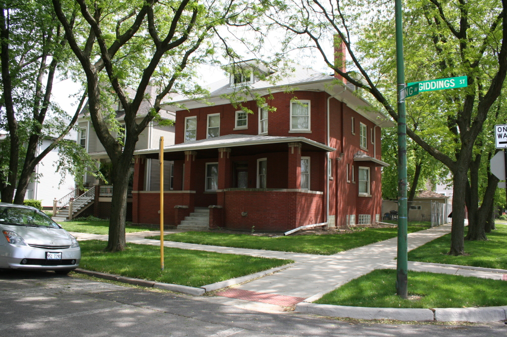 Herman and Dora Esdohr House – 5371 W Giddings