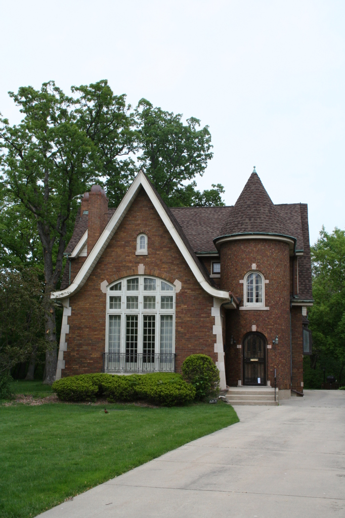 6017 N Menard – Tudor Revival from 1927 designed by Kocher and Larson.