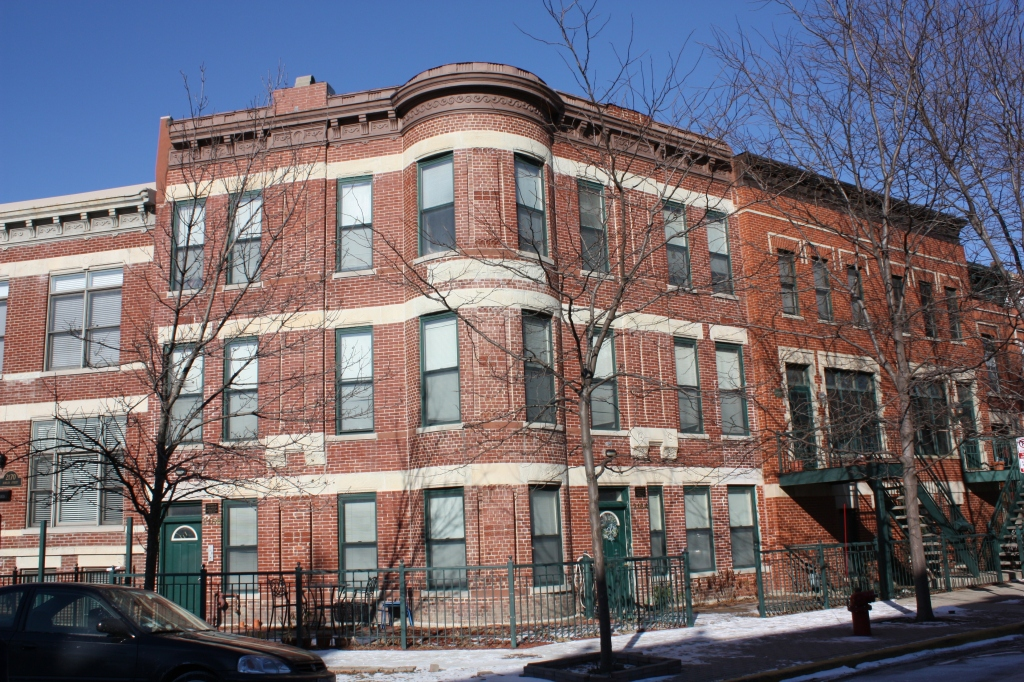 Campbell Flats – 2164 W Bowler St